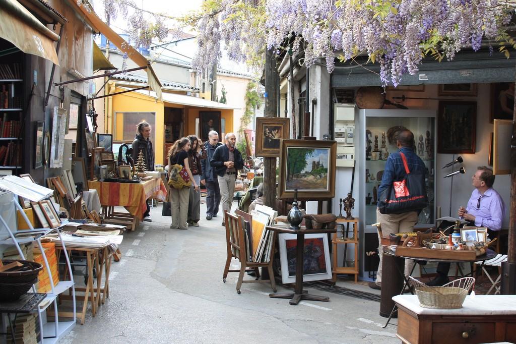 Marché aux puces (París) / ©beta.travellingassistant.com